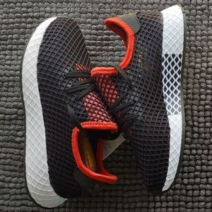 New women's Adidas deerupt Runner